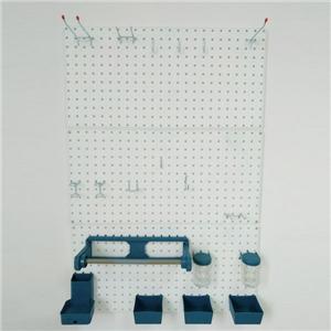 गेराज में इस्तेमाल किए जाने वाले औजार खूंटी बोर्ड बुक किए गए हैं