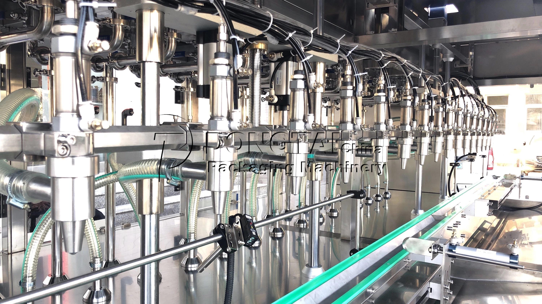 macchina per il riempimento di olio d'oliva