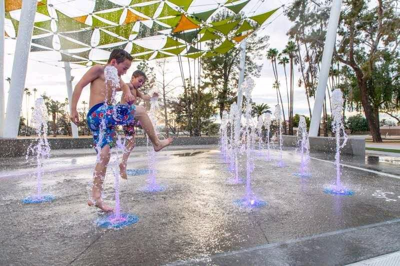 water spray fountains