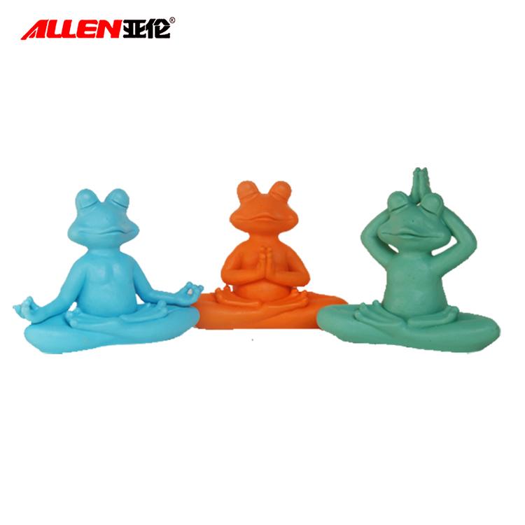 hiasan katak berwarna-warni