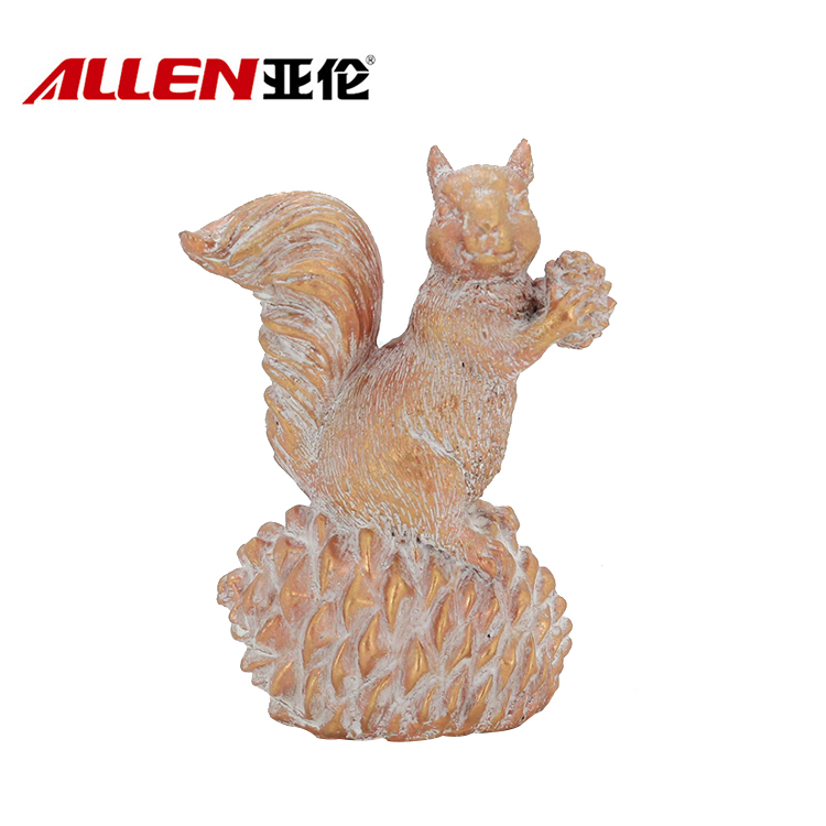 Handmade Resin Thanksgiving Resin Squireel Decoration
