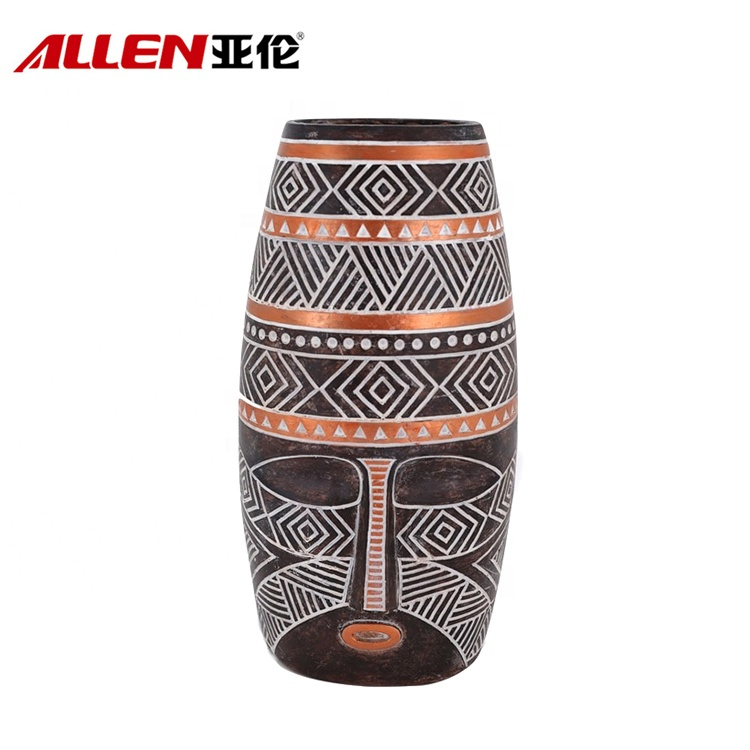 Newly Launched Facial Design African Polyresin Vase