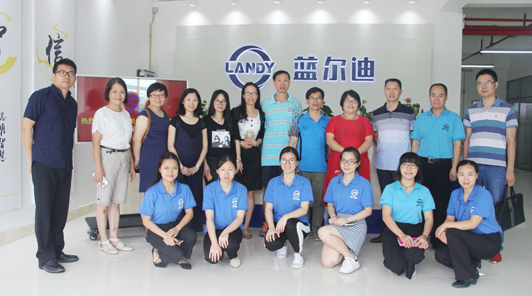 LANDY  DAILY TEAM WORK TRAINING FOR SALES