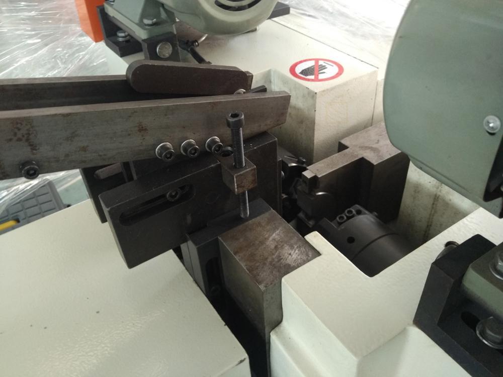 резбован прът фаски машина