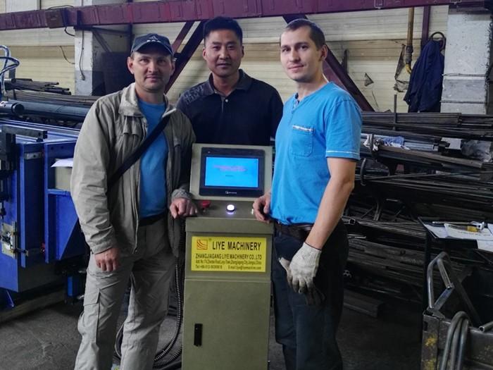 CNC машина за автоматично огъване на тръби