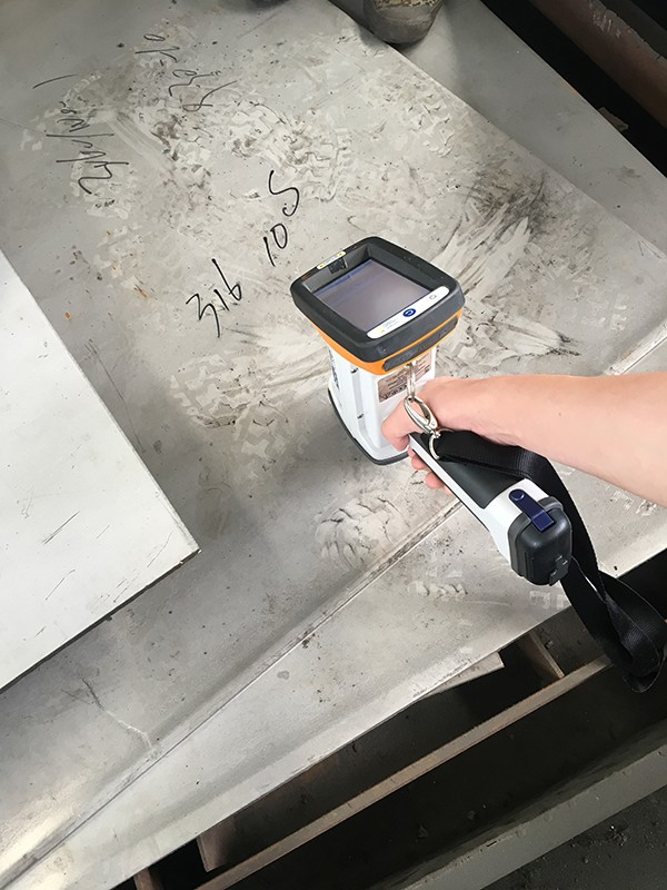 Metal material inspection gun