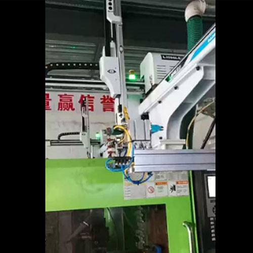 Furniture plastic accessories injection site automatic cutting case
