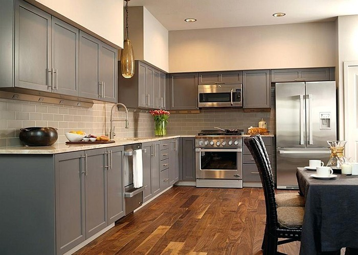 Gray Silver Elegant Shaker Style Wooden Kitchen Cabinet