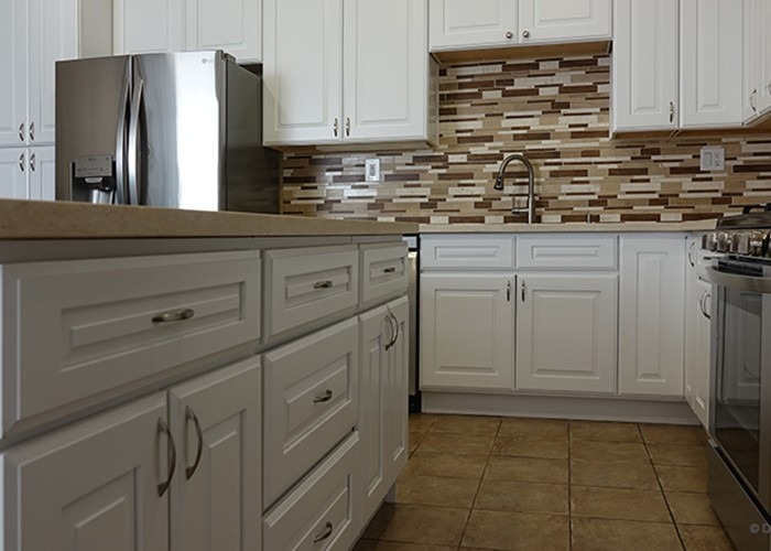 Supply Hillcrest White Glazed Style All Wood Kitchen Cabinet ...