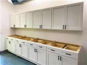 White Pearl Cabinets 0128