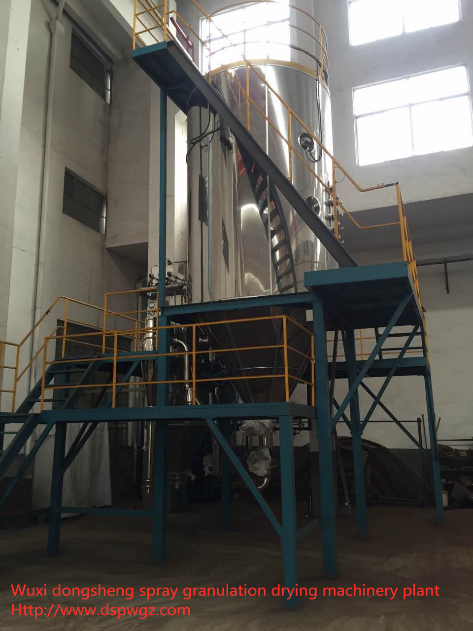 Closed loop iron powder treatment dryer