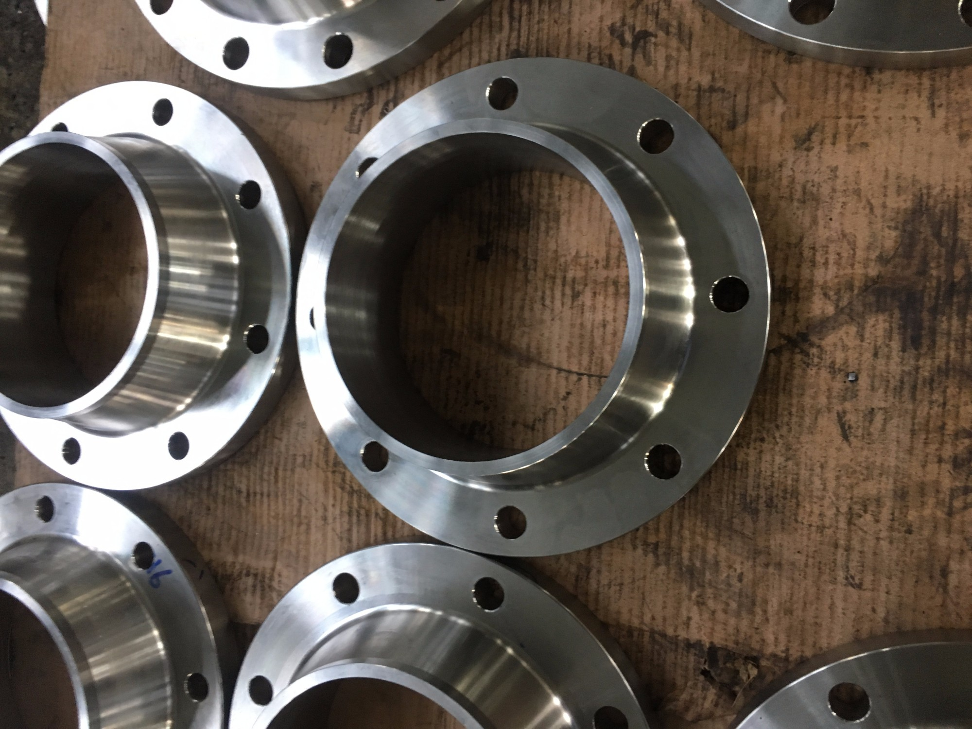 Forged Carbon Weld Neck Flanges Manufacturers, Forged Carbon Weld Neck Flanges Factory, Supply Forged Carbon Weld Neck Flanges