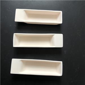 Creuset en céramique d'alumine avec poupe
