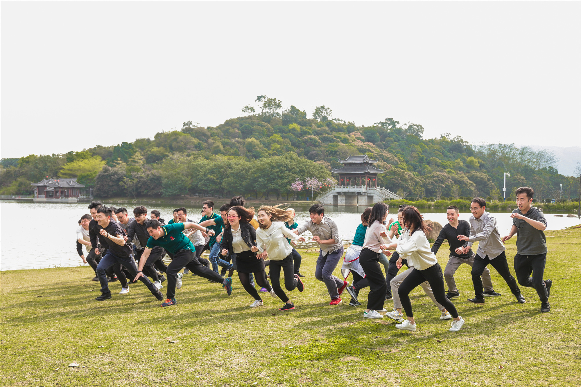 Shengbang Machinery held a tug-of-war competition