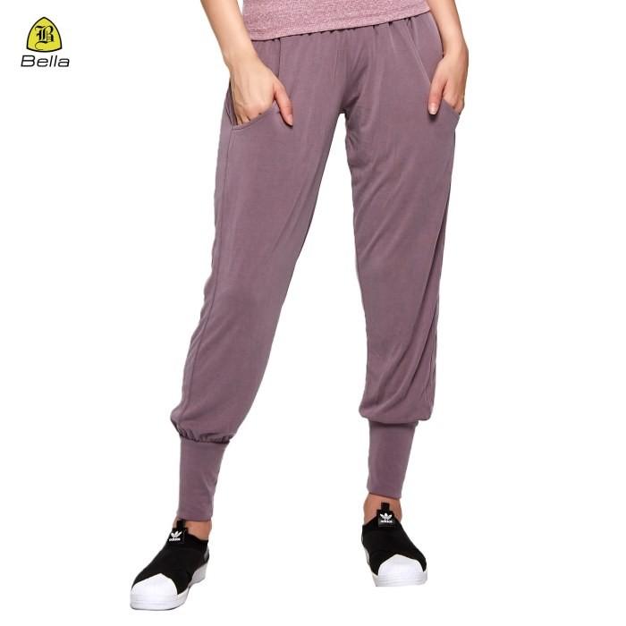 Calça esportiva feminina confortável e solta