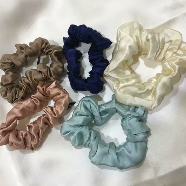 100% Silk Scrunchies With Different Size And Colors