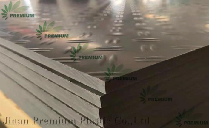 Placa de PVC extrudado rígido antiderrapante de cor cinza mate com melhor preço