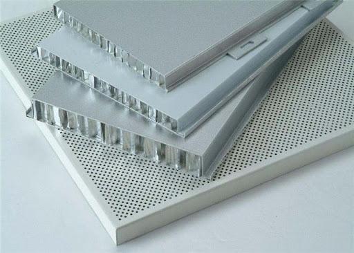 Aluminum honeycomb core composite panel