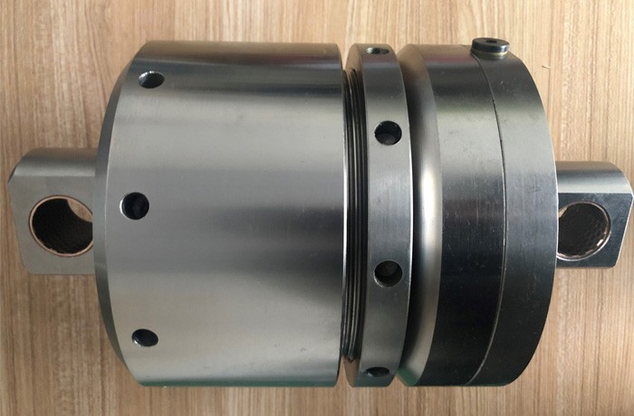 Plate-forme pétrolière cylindre