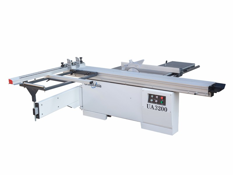 Panel Saw With 90 Degree Cutting