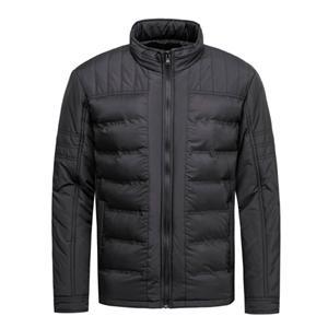 Jaqueta acolchoada masculina e processo de colagem de tecido de casaco