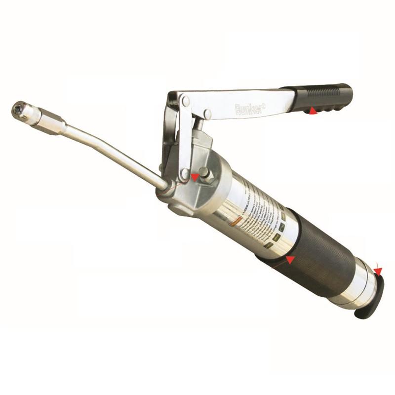 A műszaki fokozatú 600 cm3-es zsírpisztoly 2 darabos tömlővel és töltő fúvókával rendelkezik