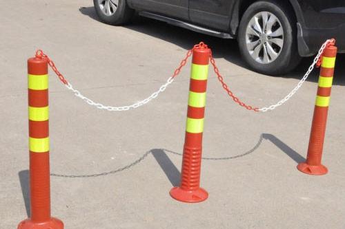 Łańcuch kolumnowy do parkowania