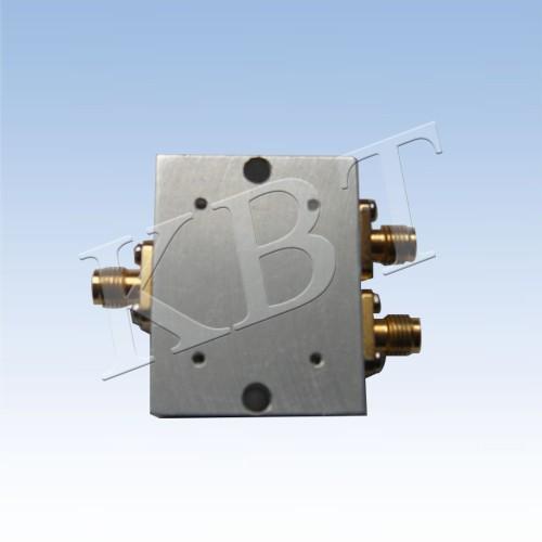 824-960 e 1700-2500MHz Combiner