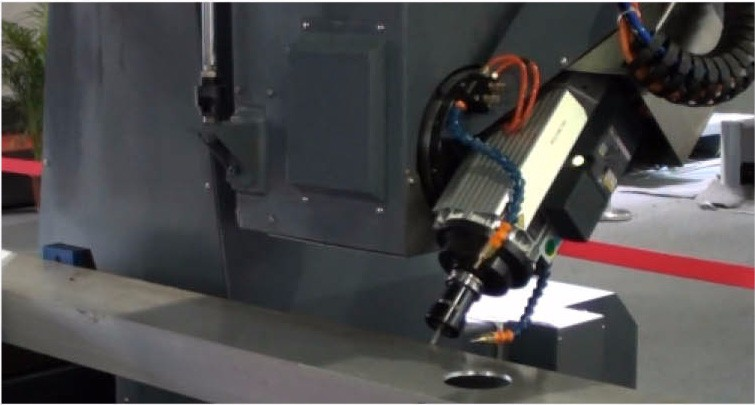 4 Axis Cnc Machine For Processing Aluminum Windows