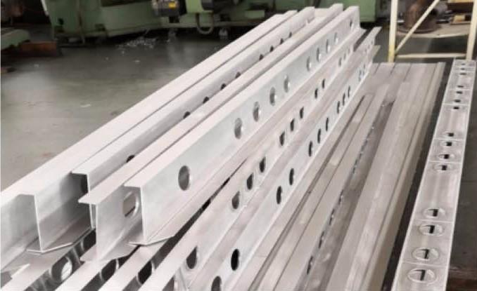 Cnc Machine Tool For Making Rail Transit Components