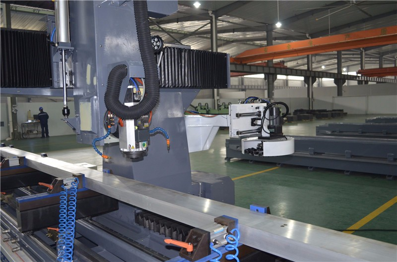 5 Axis Machining Center For Making Bullet Train Parts