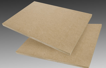 Mitteldichte Faserplatte (MDF) ist ein Holzwerkstoffprodukt. Es ist speziell für die Möbel- und Tischlerindustrie hergestellt.  das hat höhere Anforderungen an die Qualität
