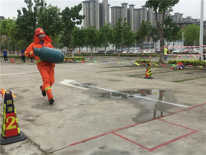 利达消防代表队参加西樵镇职工消防技能比赛