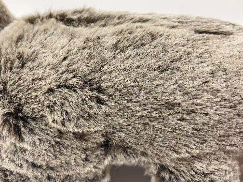 juguete de felpa marmota