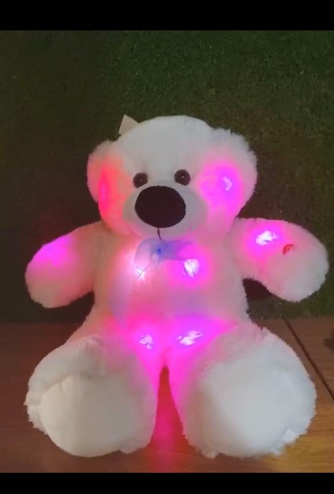ぬいぐるみテディベア、光るクマ