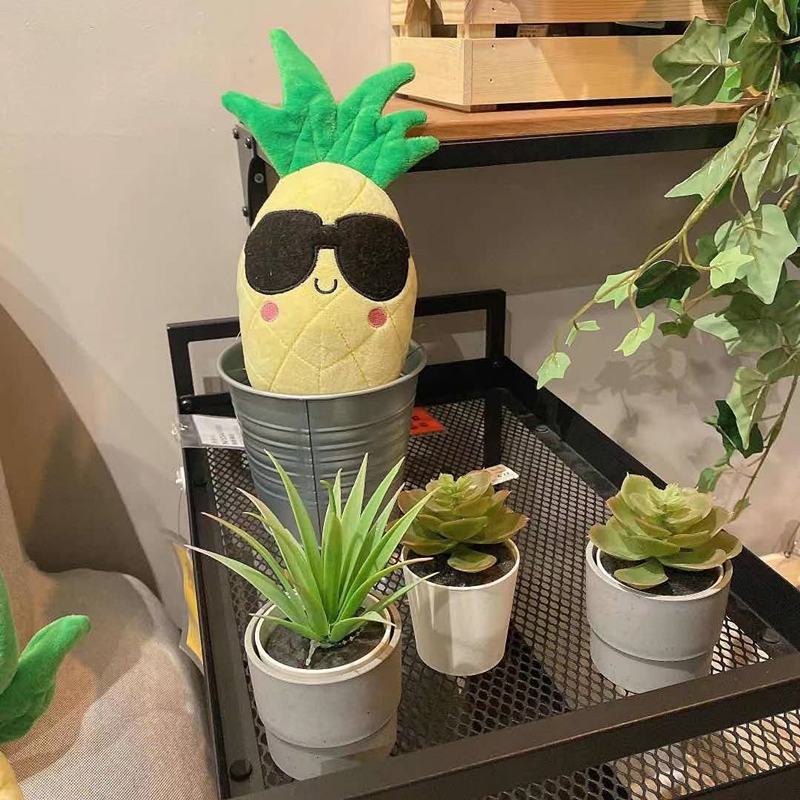 New Adorable Pineapple Toy with squeakers for Pet