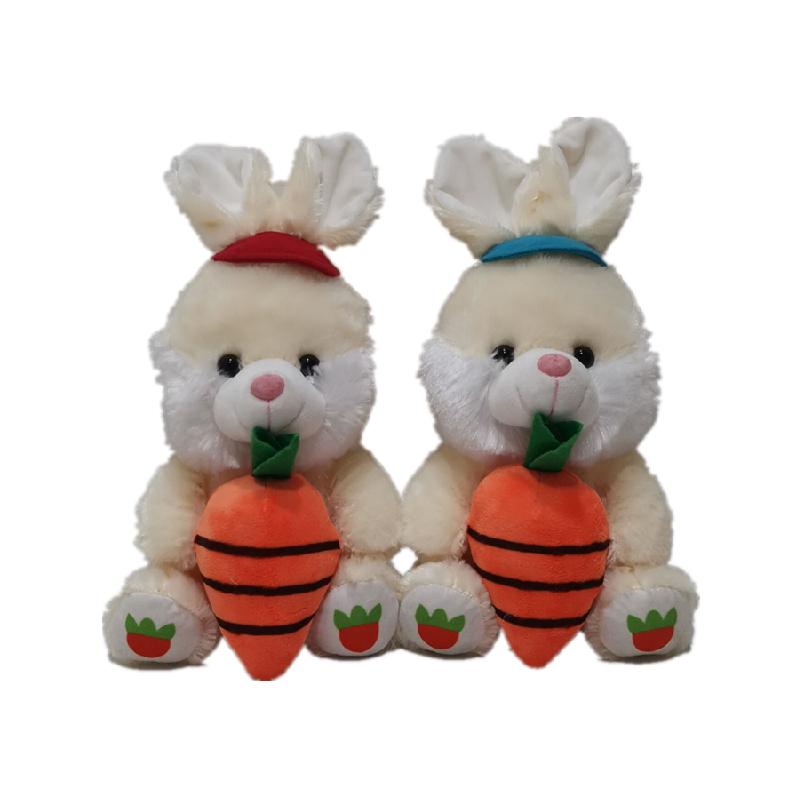 2 CLRS konijnen met wortel voor Paasdag