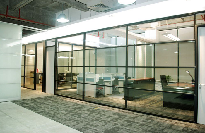 100 single glazed partition