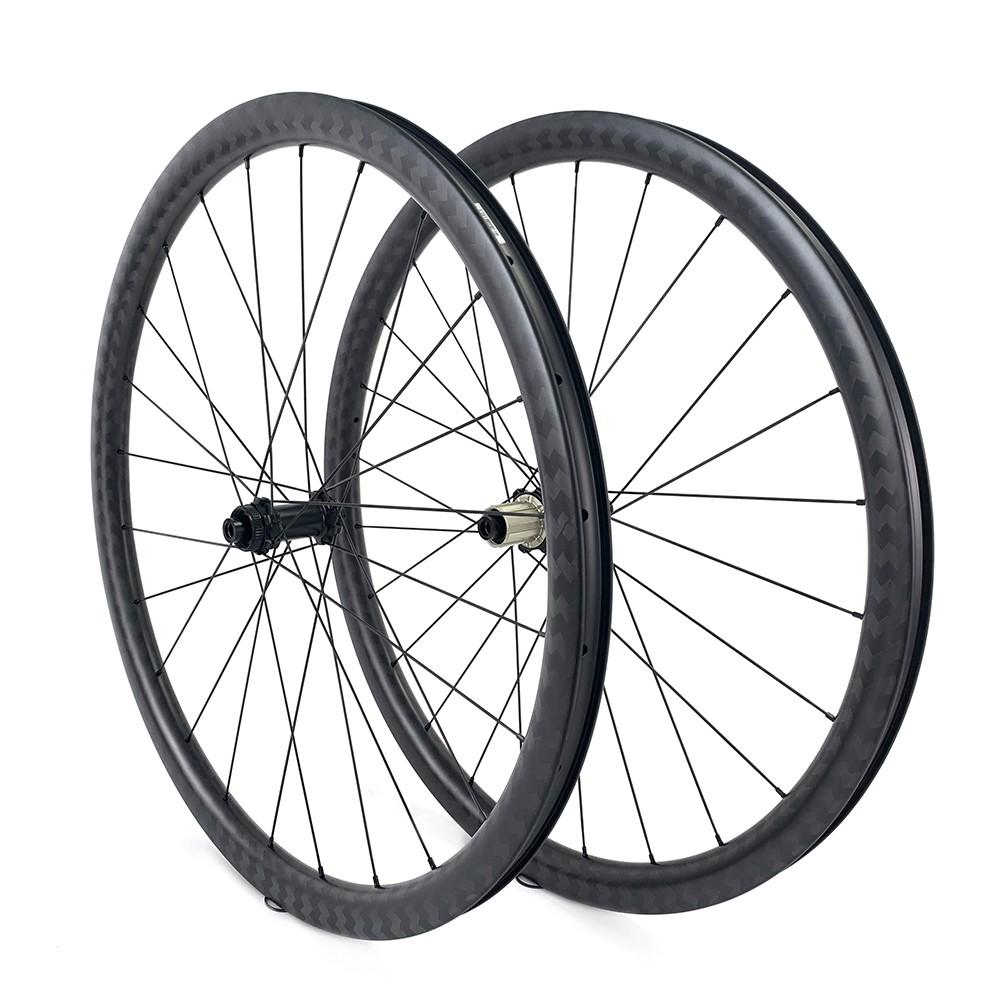 YAn RD11 Hub Competition Level Wheelset