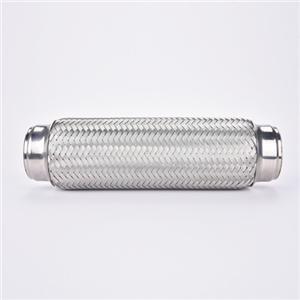 Connectez le tuyau flexible d'échappement à 3 plis tressé double de 1,75 x 8 po, raccords flexibles