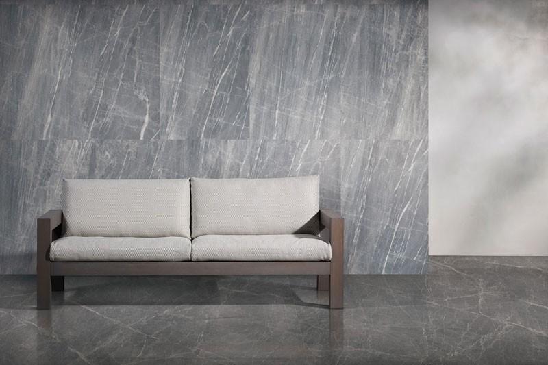 灰色の大理石のタイル