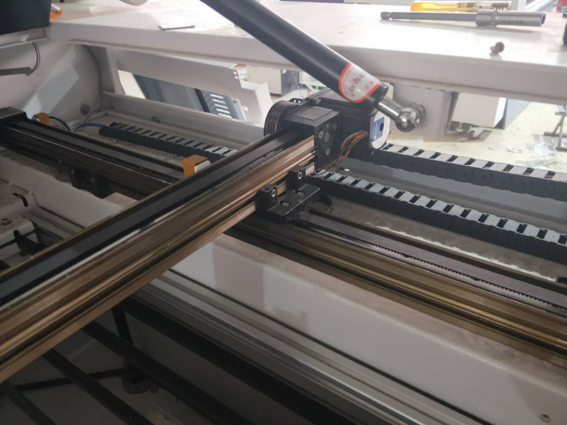 clothes CO2 laser cutter