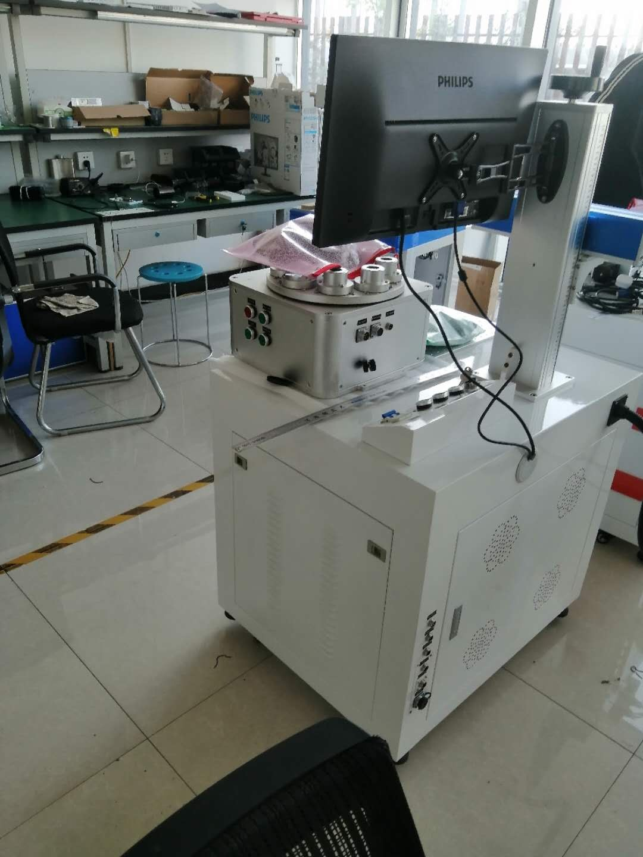 מכונת סימון לייזר סיב UV 5W בהזמנת לקוחות שוויצרים