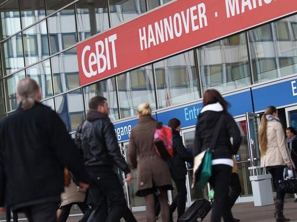 مرحبًا بكم في لقاء Unipower في معرض هانوفر CEBIT وإيطاليا.