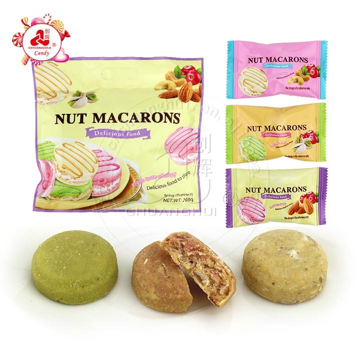 Macarons aux noix Biscuits biscuits croustillants aux amandes mélangées à la pistache et aux noix de cajou