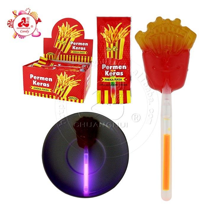 Флуоресцентный леденец на палочке в форме картофеля фри со светящейся конфетой