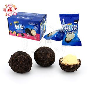 Халяльный шарик из шоколадного печенья с начинкой из молочного крема