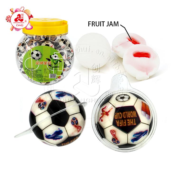 Bonbons gommeux remplis de confiture de confiserie de football de football de football 3D