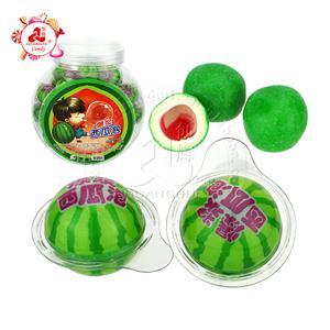 Boule de chewing-gum à la pastèque aux fruits Boule de chewing-gum remplie de confiture de fruits