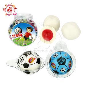 Boule de chewing-gum de football multicolore à la confiture de fruits
